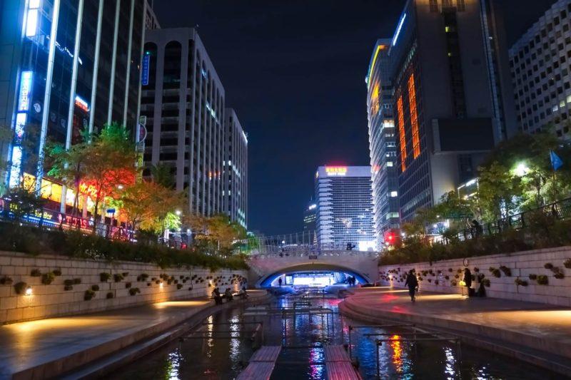 韓国ソウルの鍾路の夜景